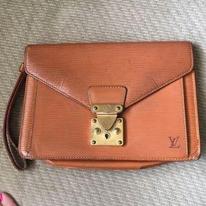 dcc58347b3b6 Louis Vuitton Bags - SALE✨LV Cognac Epi Gold Envelope Wristlet